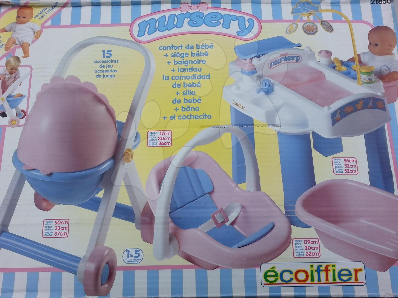 Opatrovateľské centrum pre bábiku Nursery Écoiffier so stolom, kočíkom a autosedačkou s 15 doplnkami od 18 mes