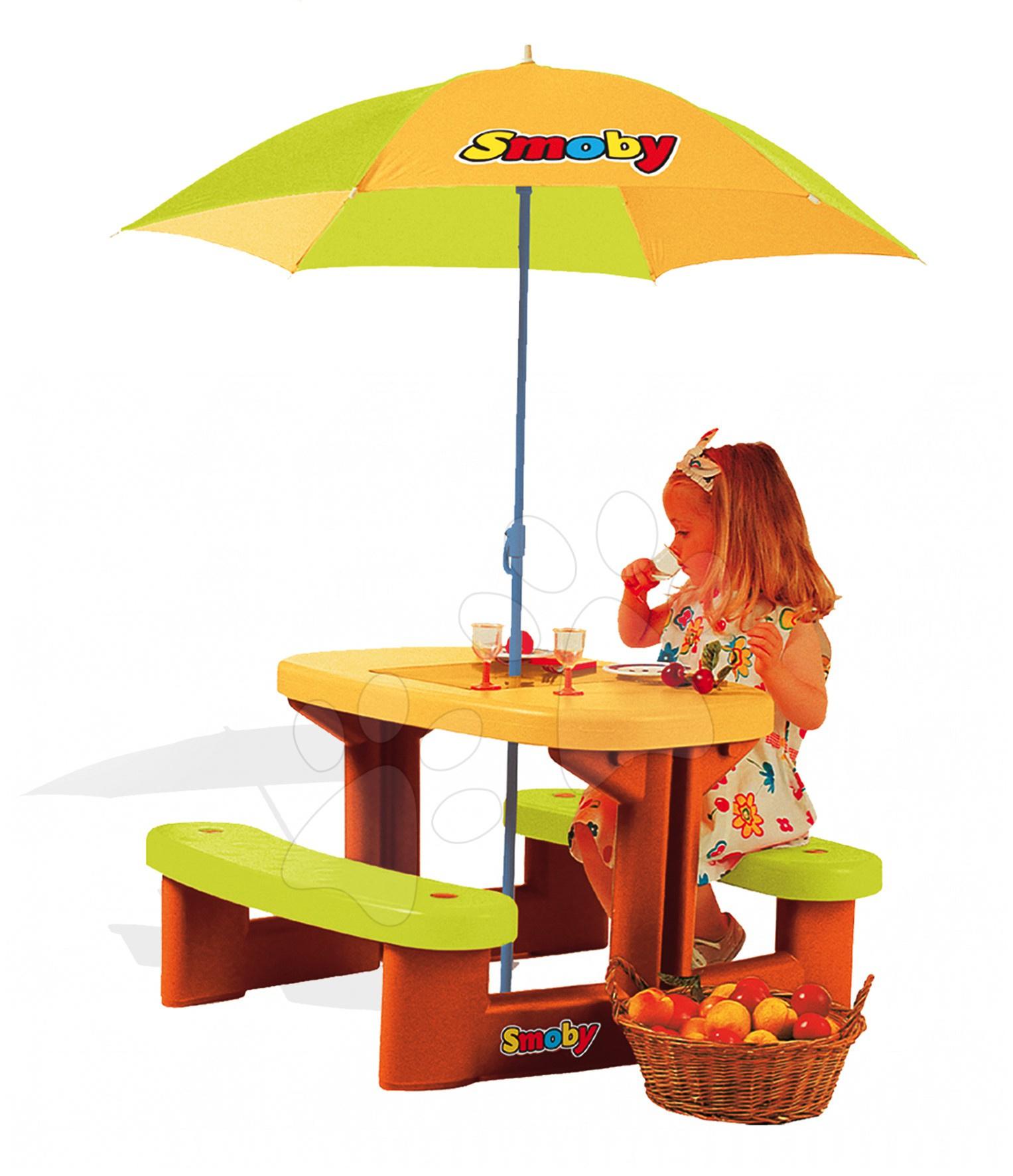 Detský záhradný nábytok - Piknikový stolík Smoby s dvoma lavicami a so slnečníkom UV filtrom od 24 mes