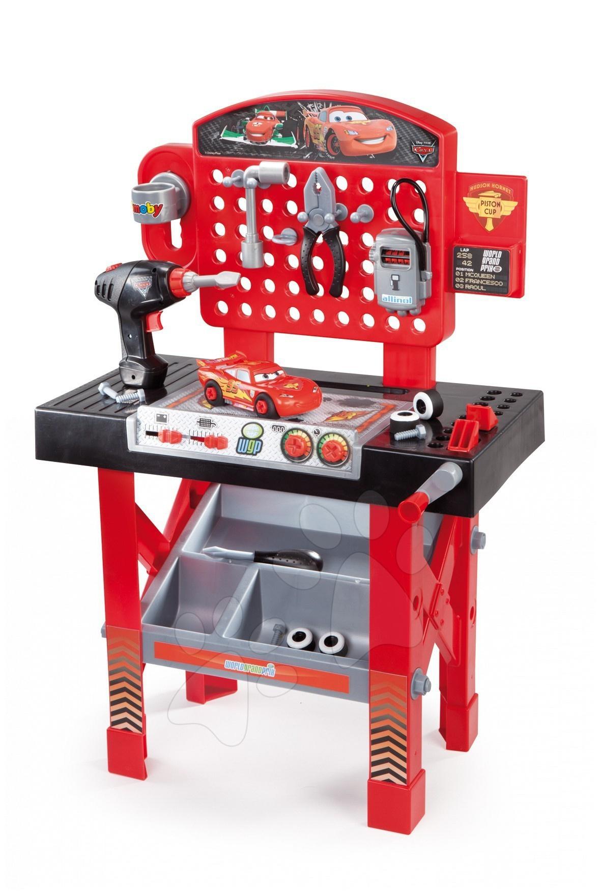 Pracovní stůl Auta Smoby pro děti s mechanickou vrtačkou, autíčkem McQueen a 20 doplňky