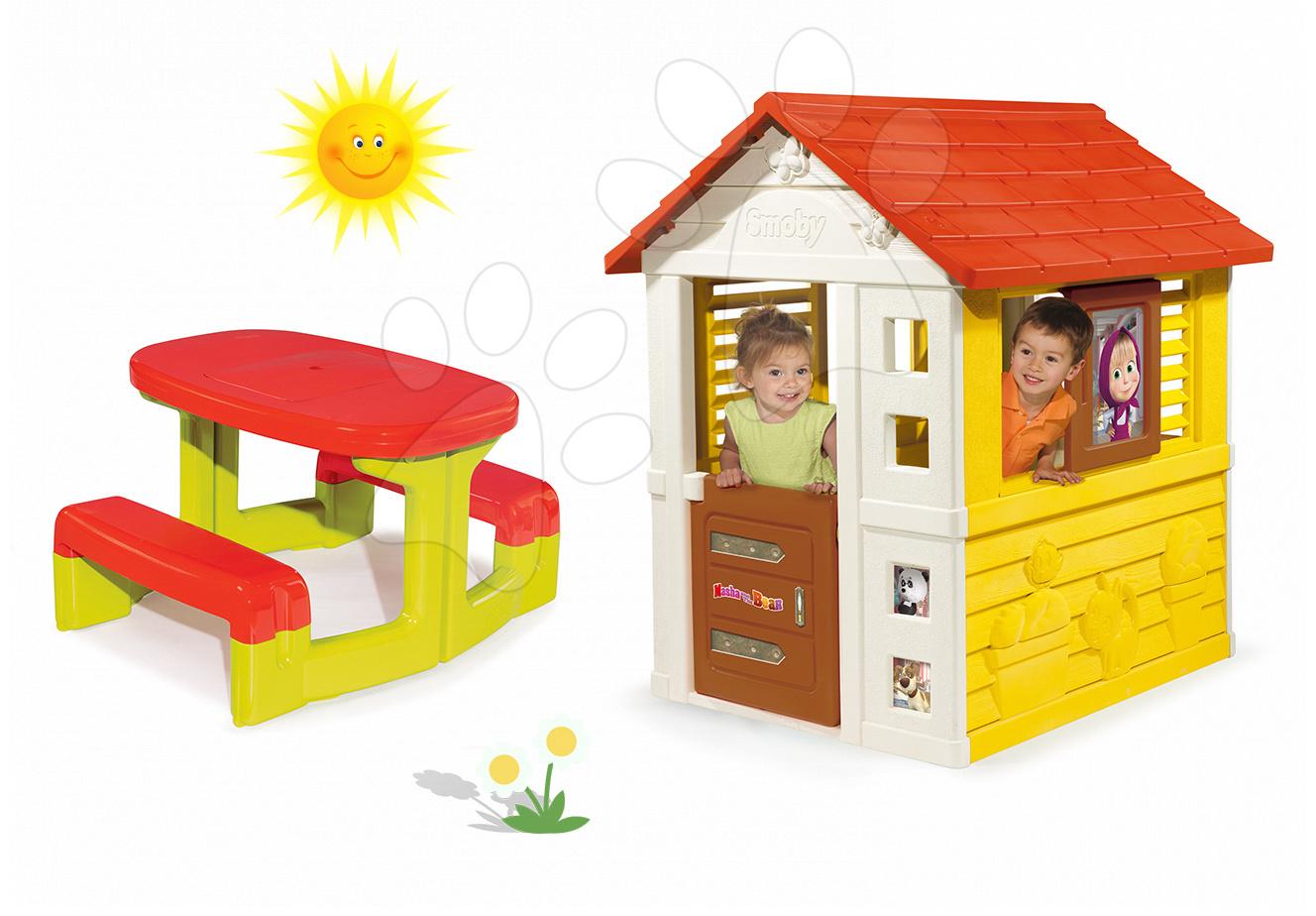 Set domeček Máša a medvěd Pretty Smoby se zasouvací okenicí a stůl Piknik s úložným prostorem od 24 měsíců