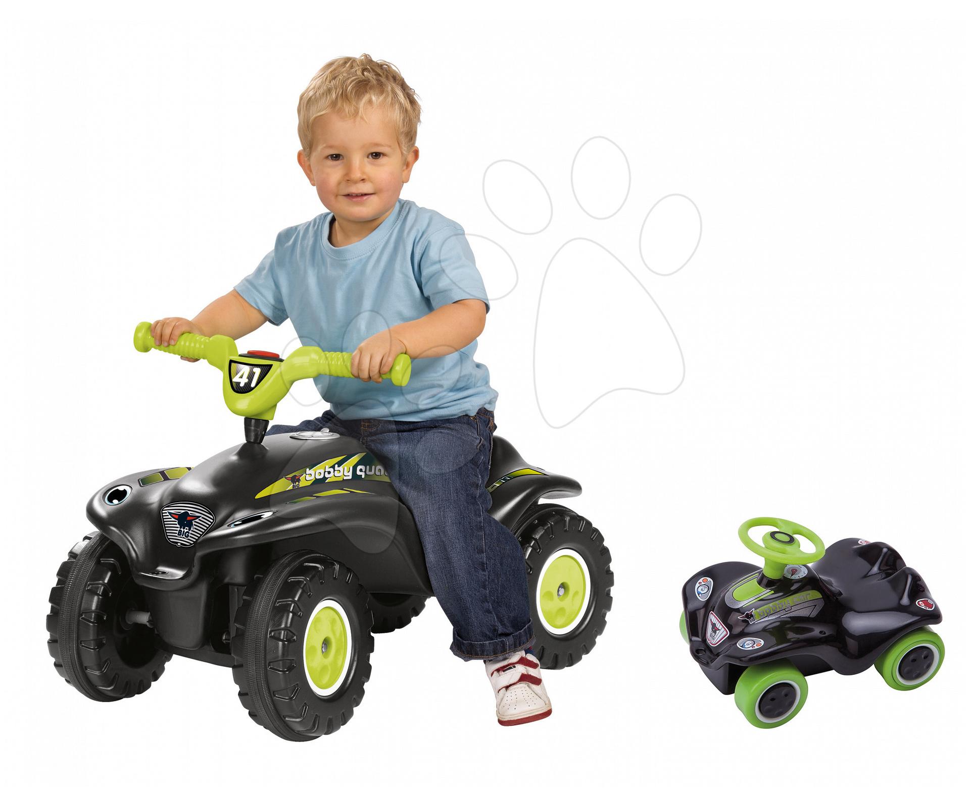Set odrážadlo štvorkolka Quad BIG s klaksónom čierne a autíčko New Mini Bobby na naťahovanie