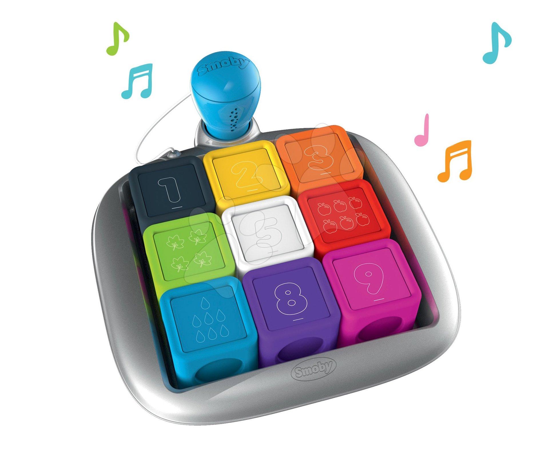 Interaktivní hra Clever Cubes Smart Smoby s 3 hrami barvy a čísla od 24 měsíců (anglicky, francouzsky a německy)
