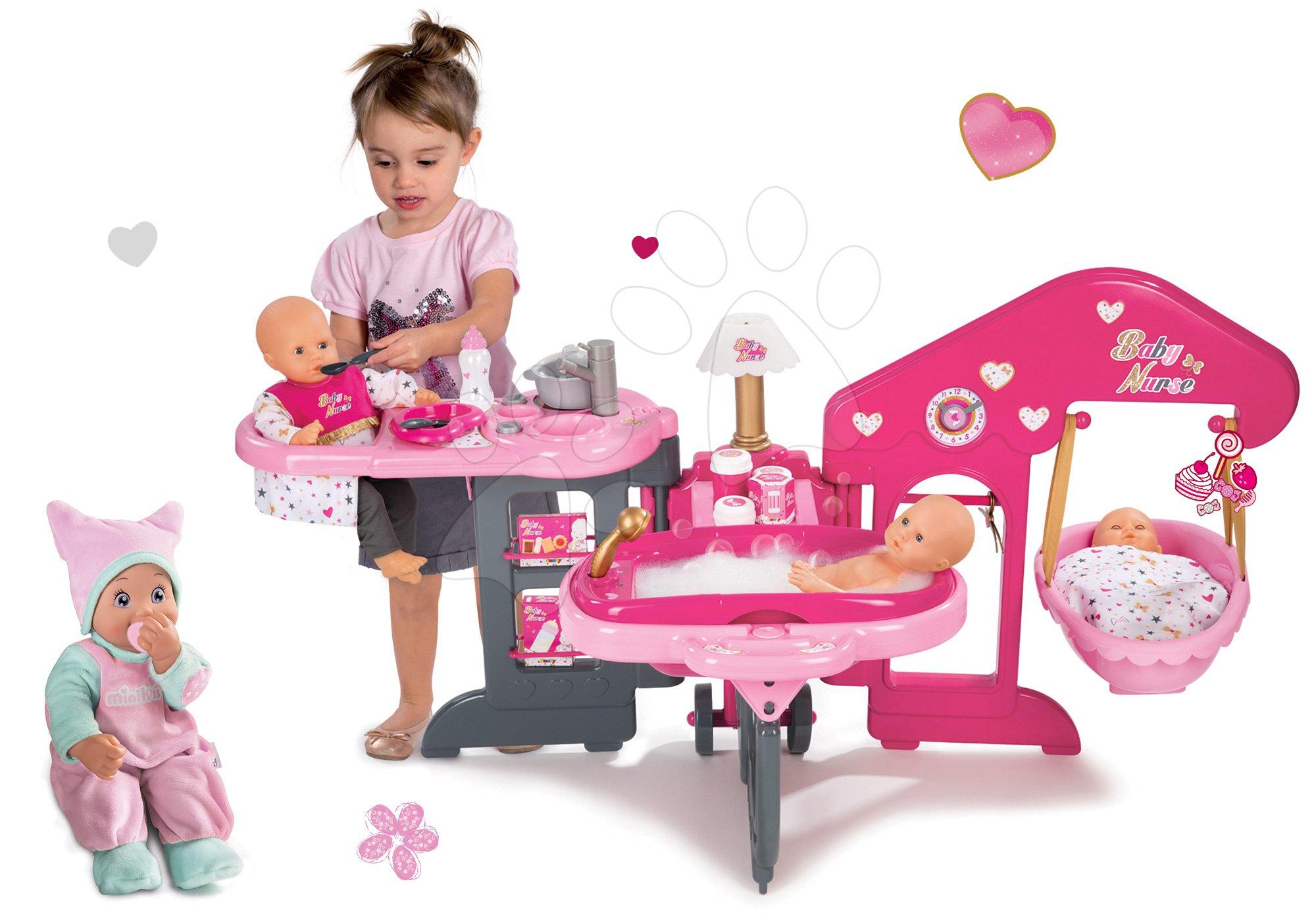 Domčeky pre bábiky sety - Set opatrovateľské centrum pre bábiku Baby Nurse Smoby a bábika so zvukom MiniKiss 27 cm