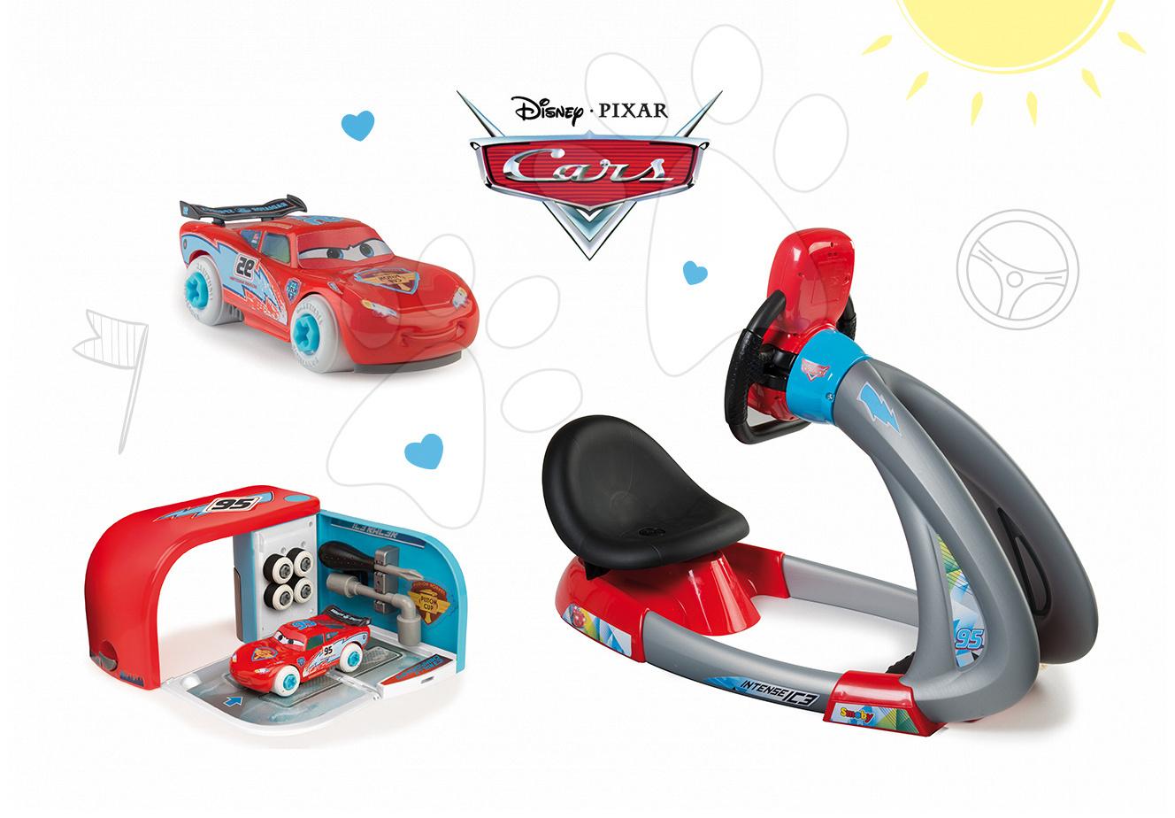 Set dětský trenažér V8 Driver Smoby elektronický se zvukem a světlem a autoservis s nářadím a autem McQueen