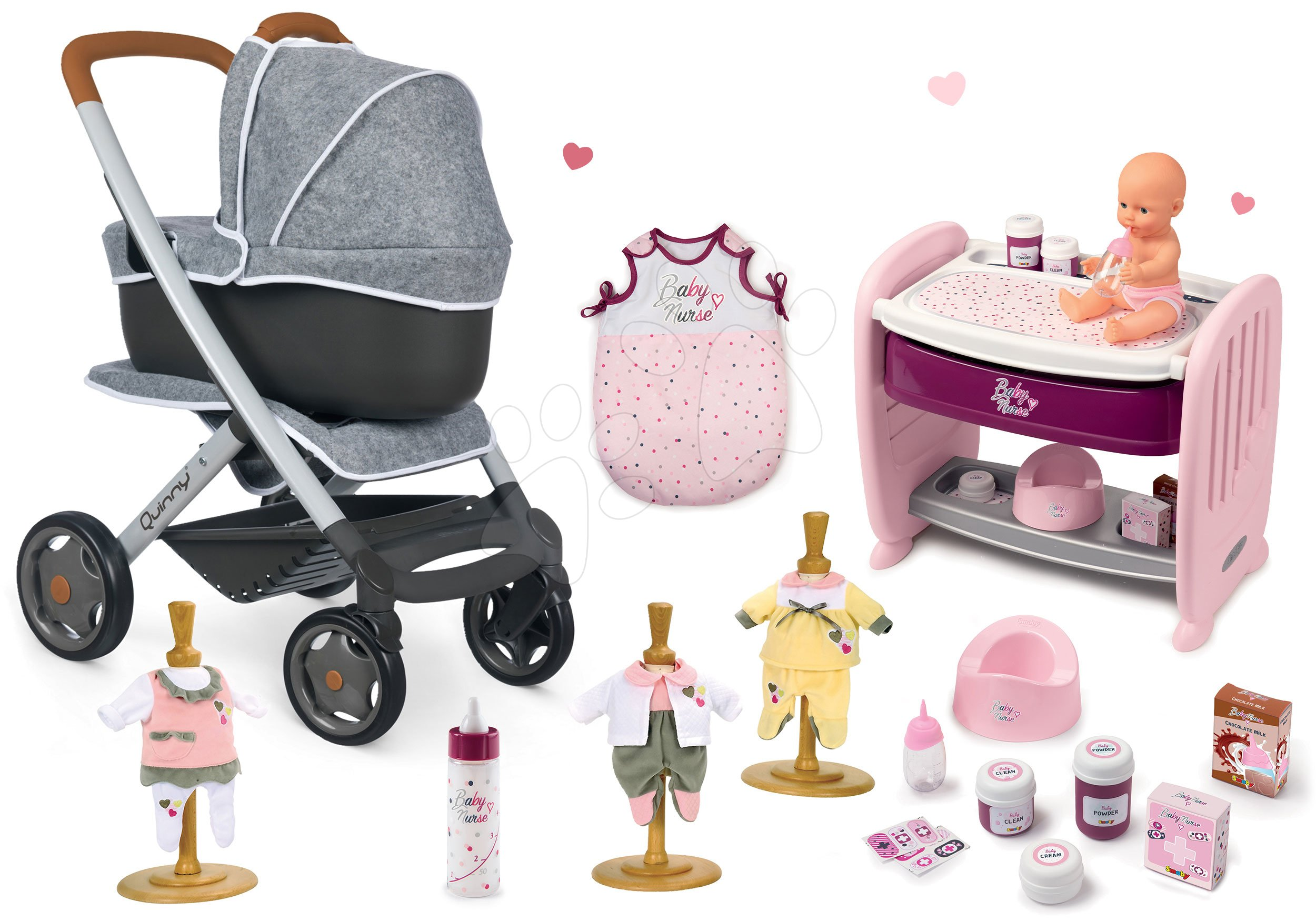 Set kočík hlboký a športový DeLuxe Pastel Maxi Cosi&Quinny Grey 3v1 Smoby a postieľka k postieľke s cikajúcou bábikou a 3 šatočky so spacím vakom a fľaškou