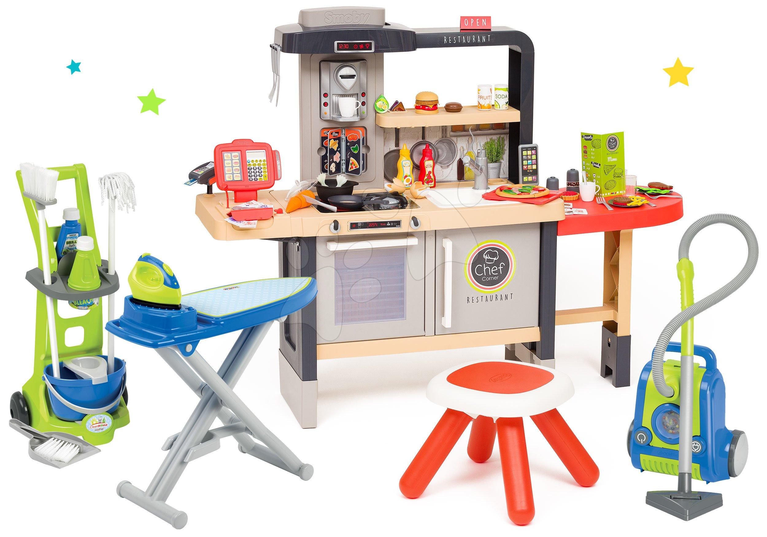 Set reštaurácia s elektronickou kuchynkou Chef Corner Restaurant Smoby s upratovacím vozíkom a žehliacou doskou
