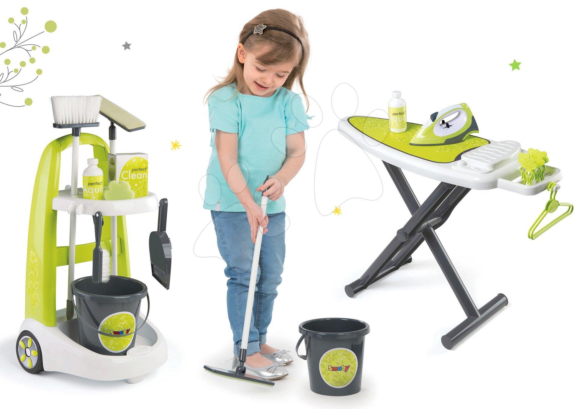 Set upratovací vozík s vedrom Clean Smoby a žehliaca doska s elektronickou žehličkou zelený