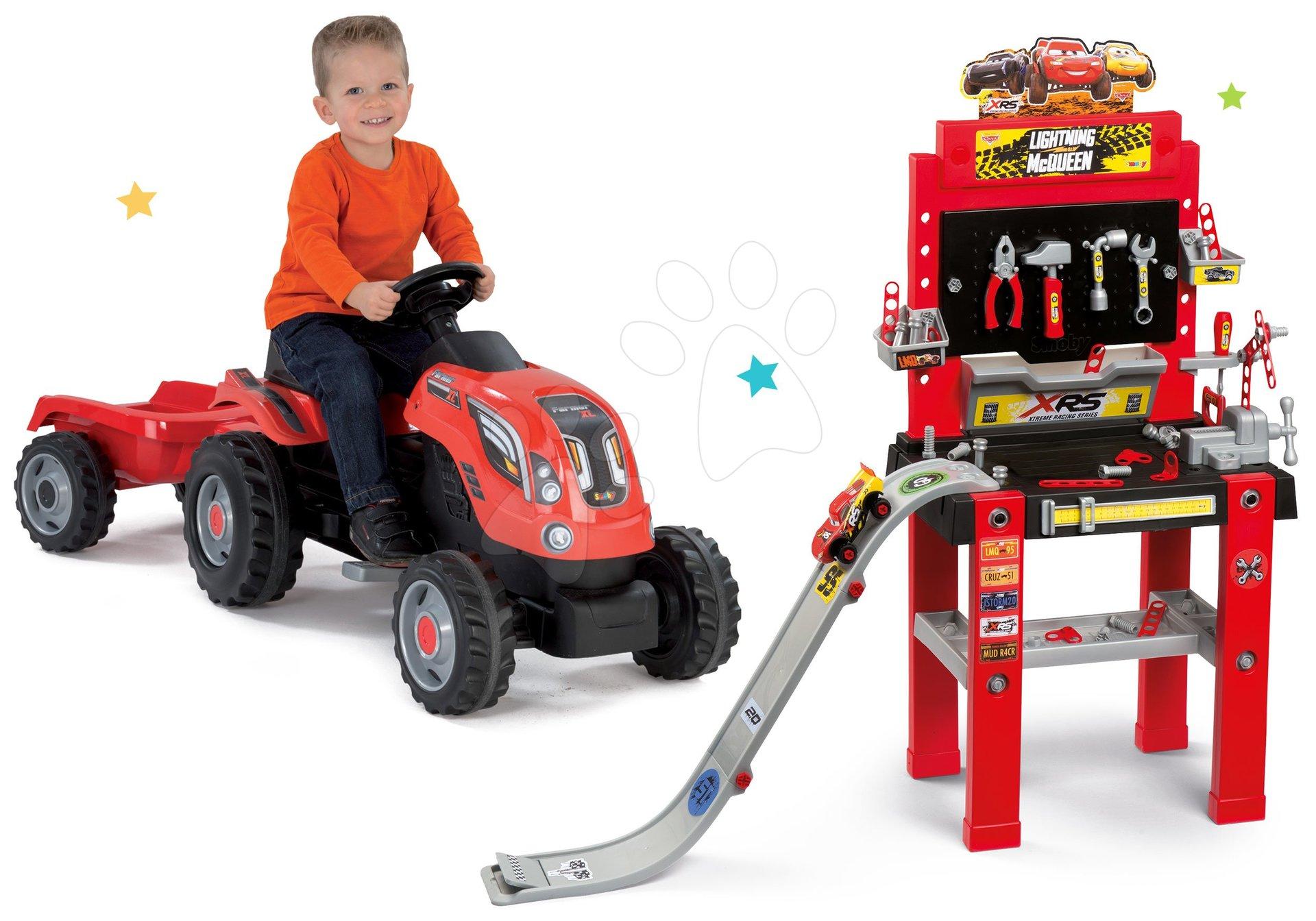 Smoby set pracovná dielňa s rampou Autá 3 a traktor na šliapanie s prívesom 360713-1