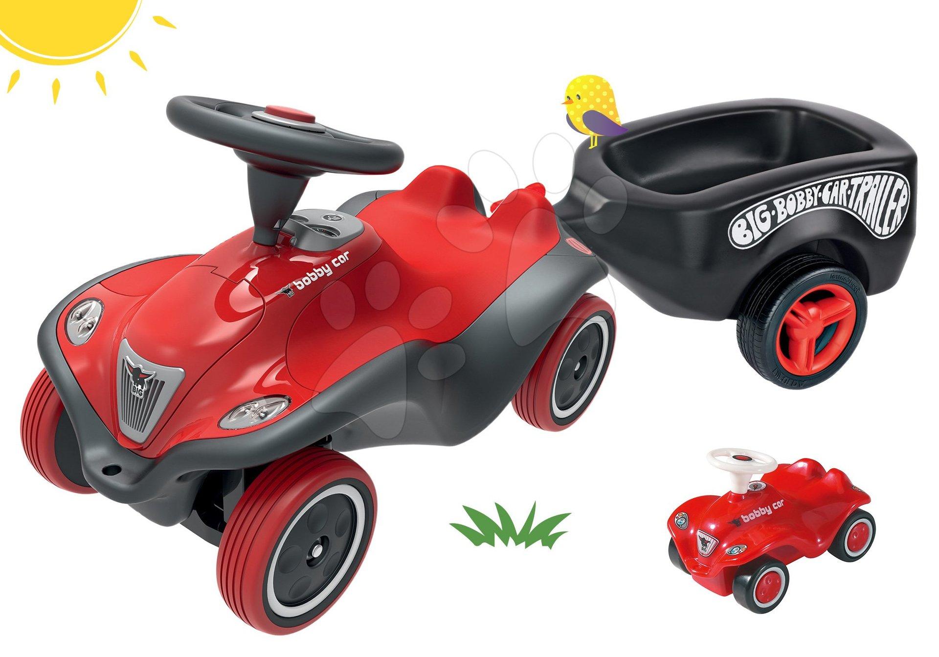 Set odrážadlo auto Next Bobby Car BIG červené a prívesný vozík oválny čierny s mini autíčkom od 12 mes