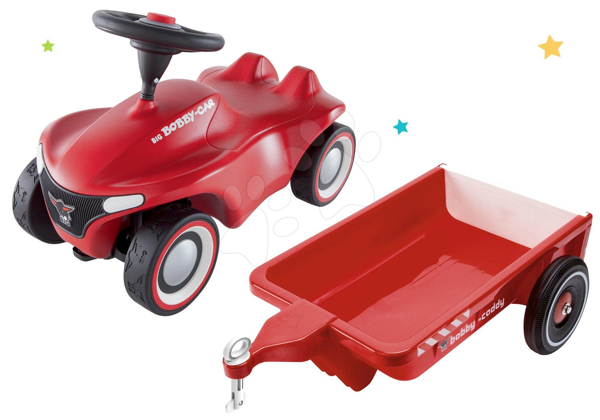 Set odrážadlo Bobby Car Neo BIG červené zvukové s 3-vrstvovými gumovými kolesami a prívesný vozík hranatý