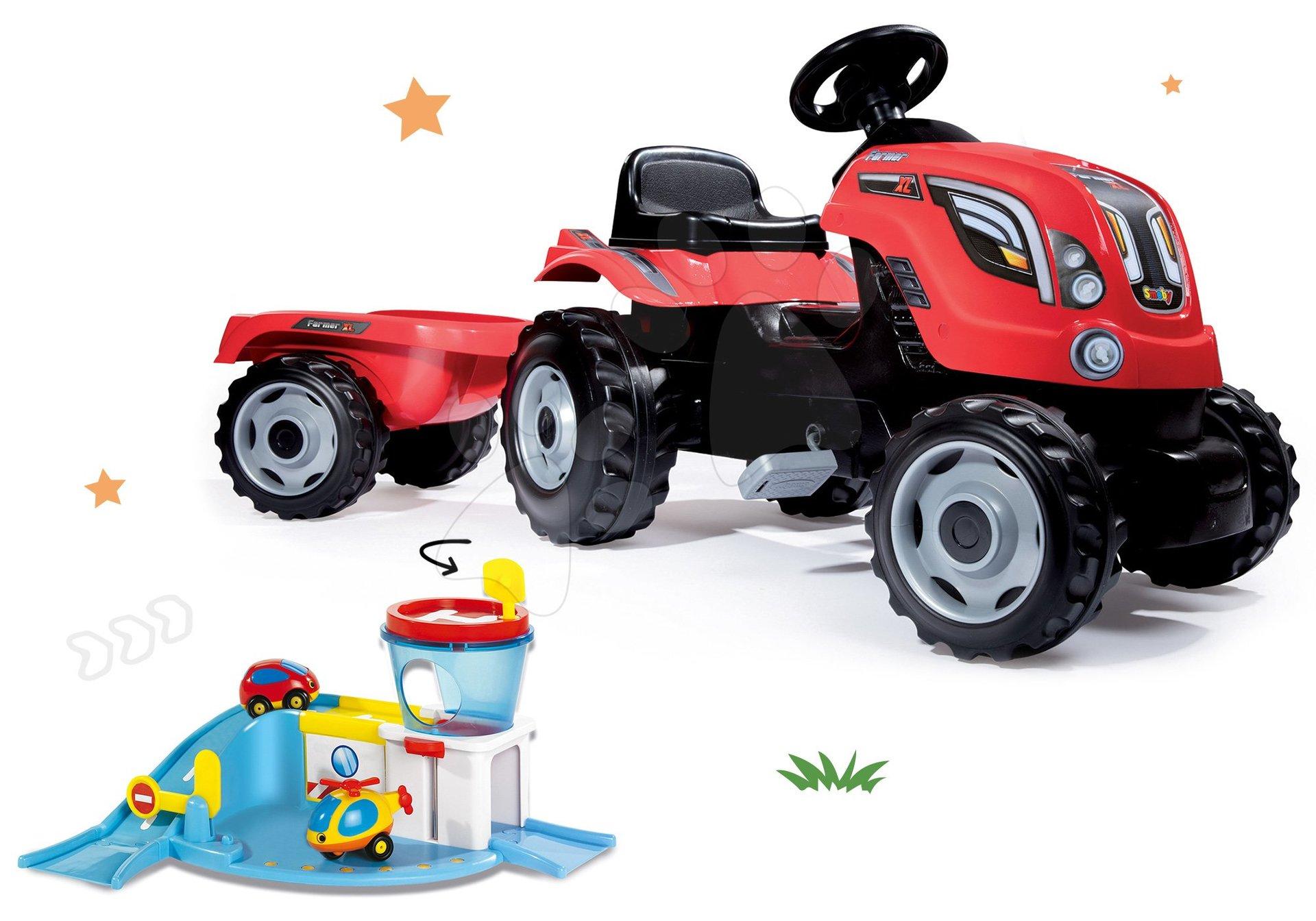 Smoby set traktor na šlapání Farmer XL Smoby s přívěsem a letiště Vroom Planet s autíčkem a letadlem