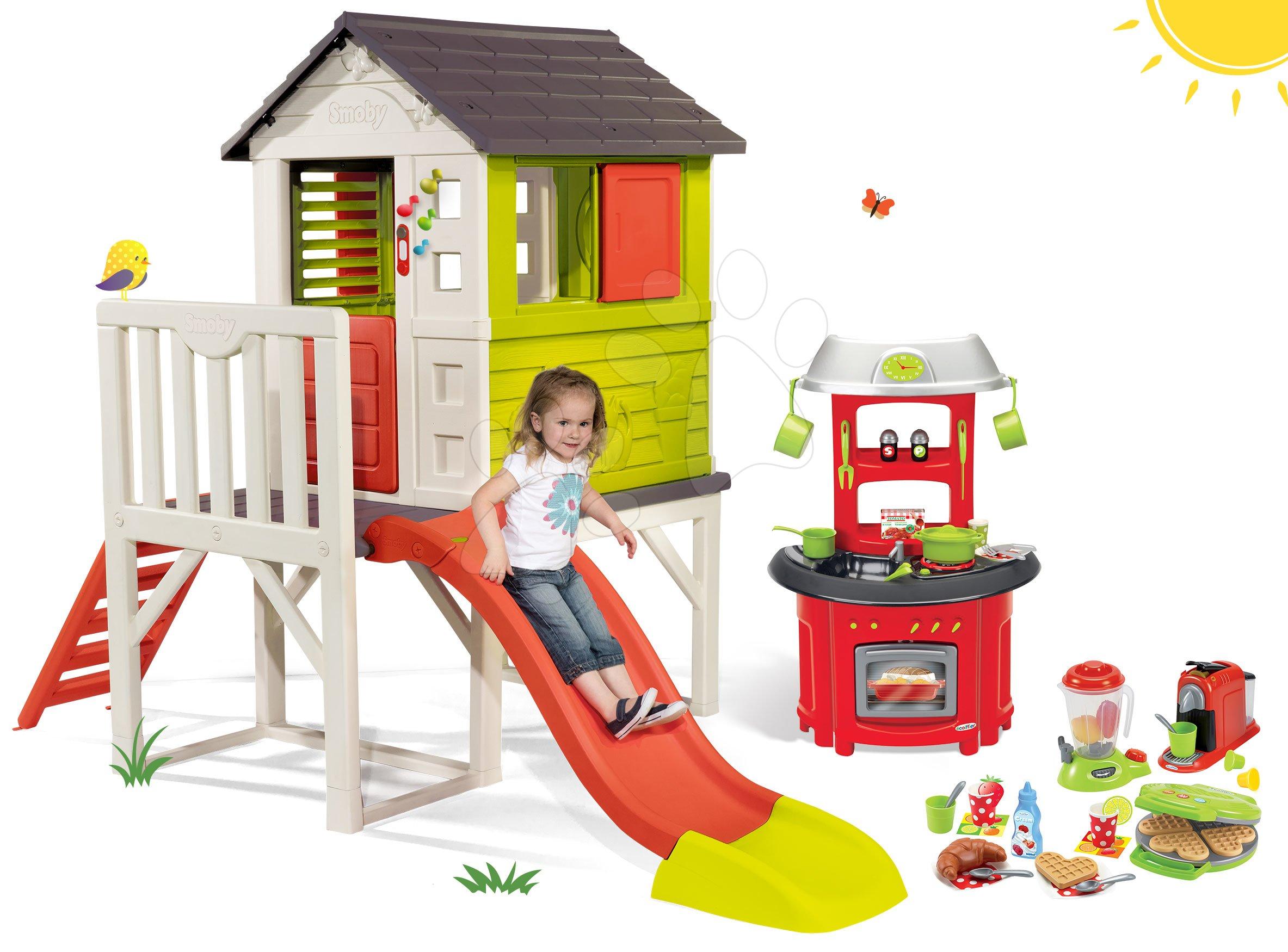 Domeček na pilířích Pilings House Smoby s 1,5 m skluzavkou zvonkem a kuchyňka s vaflovačem kávovarem a mixérem
