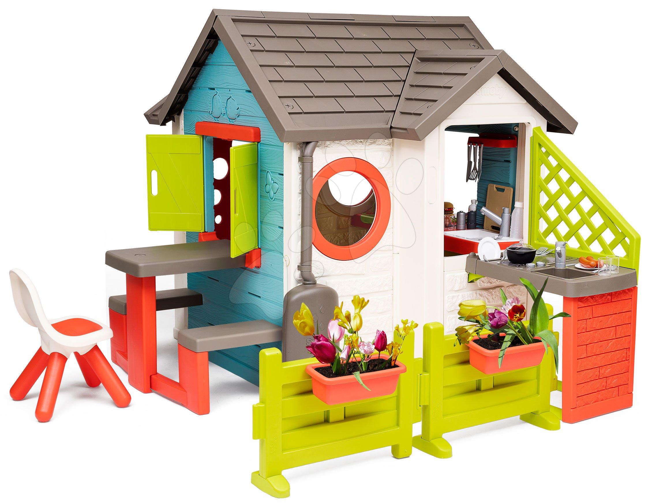Domeček se zahradní restaurací Chef House DeLuxe Smoby s nástavbovým řešením a židlí