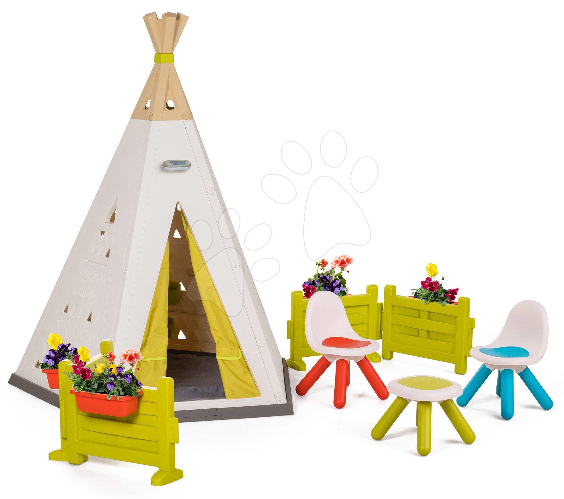 Stan prírodný Indoor&Outdoor Teepee Evolutive Smoby nastaviteľný so stoličkami na záhradke pod lampou od 24 mes
