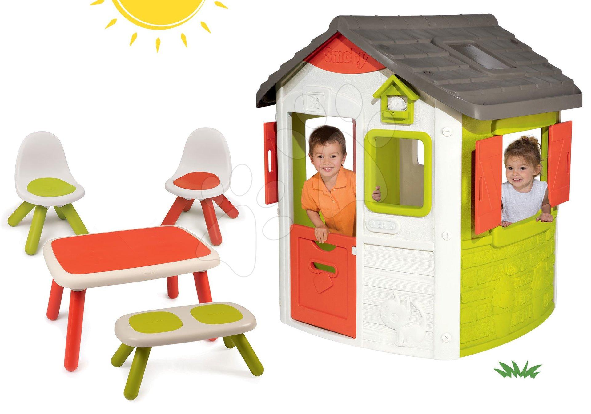Set domček Neo Jura Lodge Smoby s dvoma dverami a stôl s dvoma stoličkami a lavicou KidBench