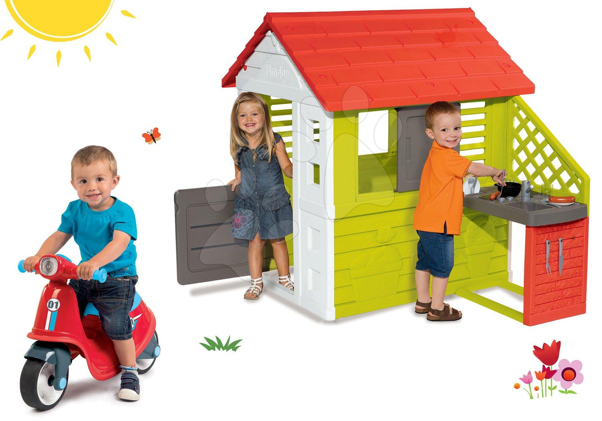 Smoby set domček Pretty Nature s letnou kuchynkou a odrážadlo Scooter Red s gumenými kolesami 810702-39