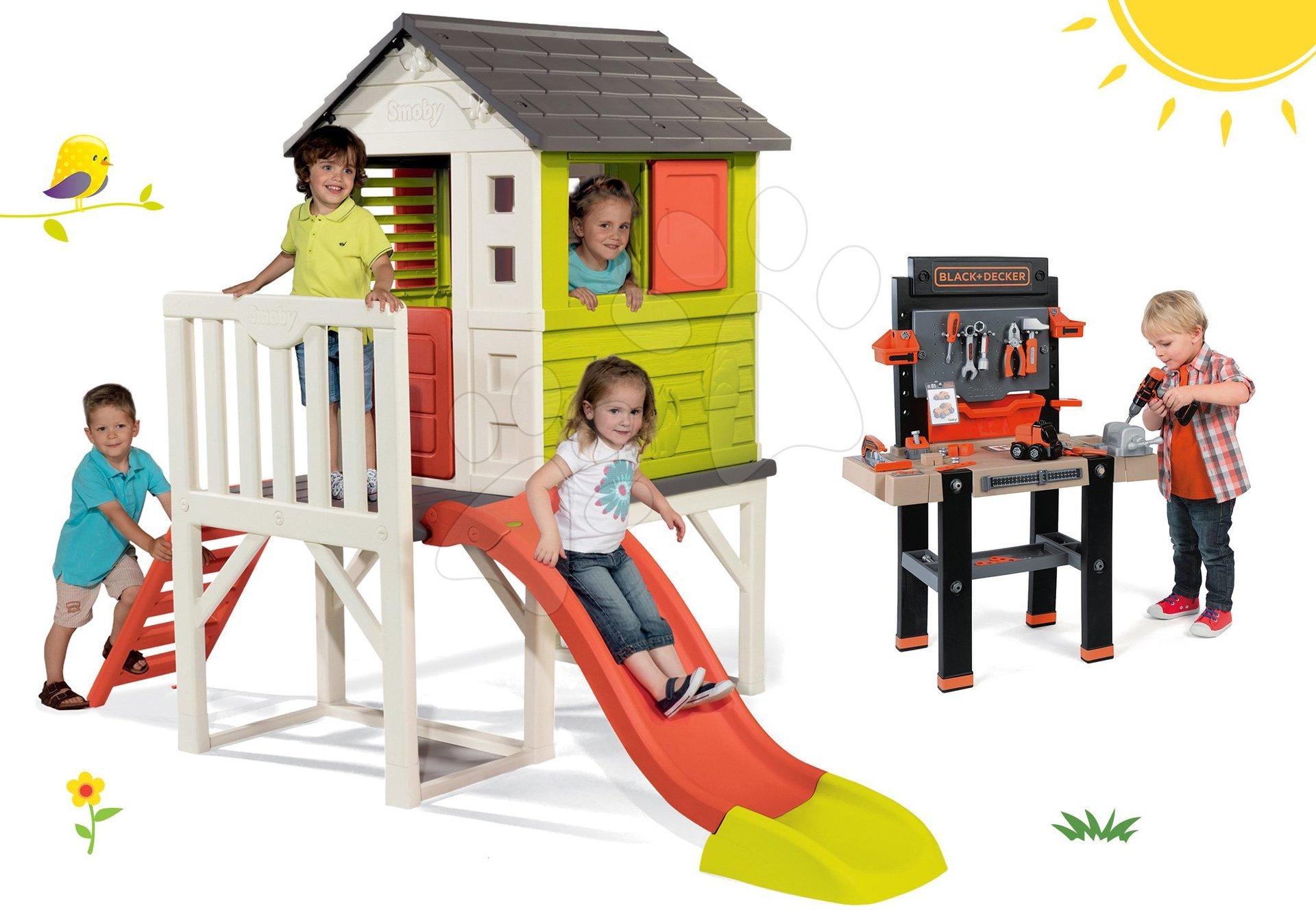 Set domček na pilieroch Pilings House Smoby s 1,5 m šmykľavkou a pracovná dielňa Black+Decker elektronická s vŕtačkou