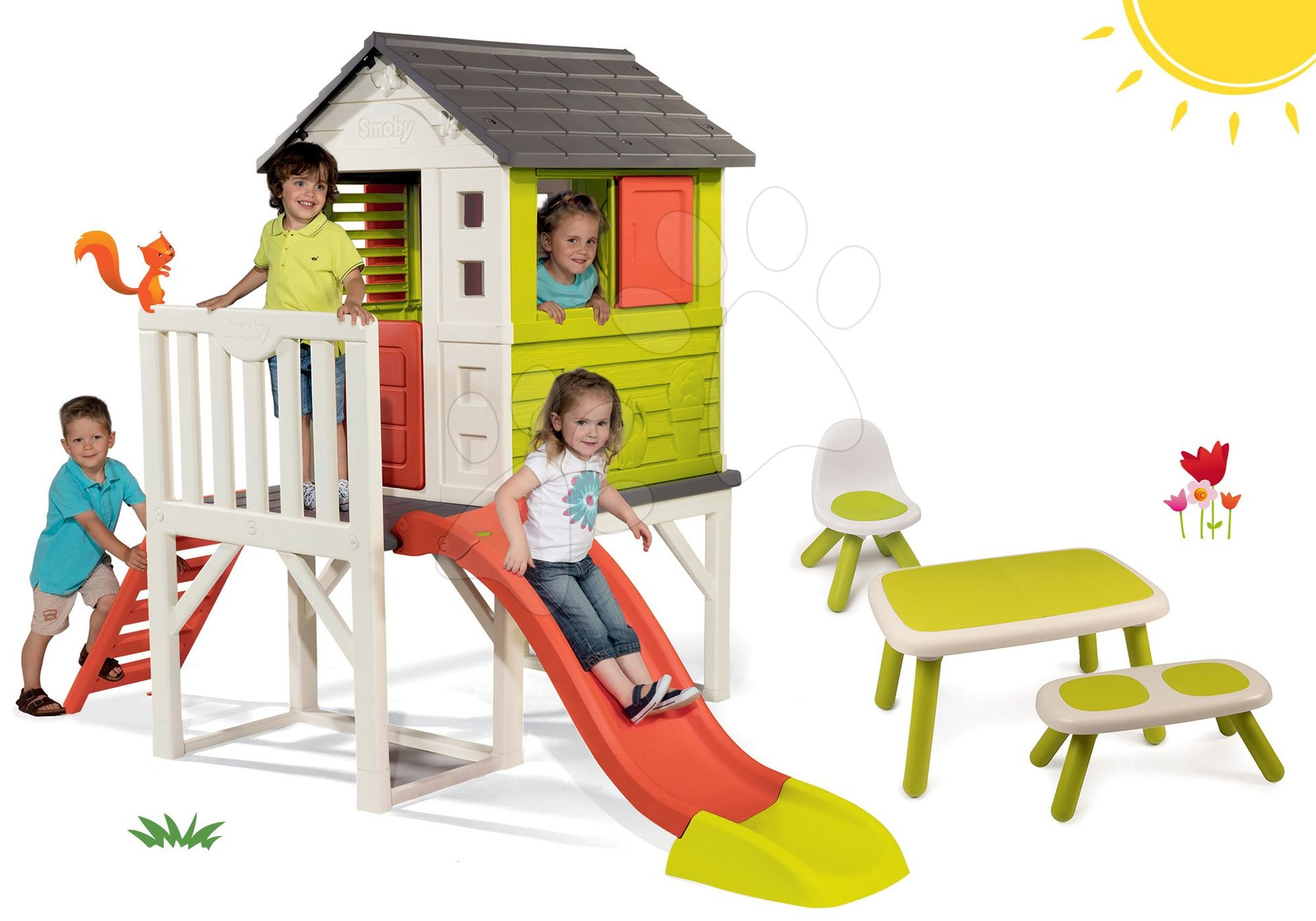Set domček na pilieroch Pilings House Smoby s 1,5 m šmykľavkou a stôl s lavičkou a stoličkou KidChair