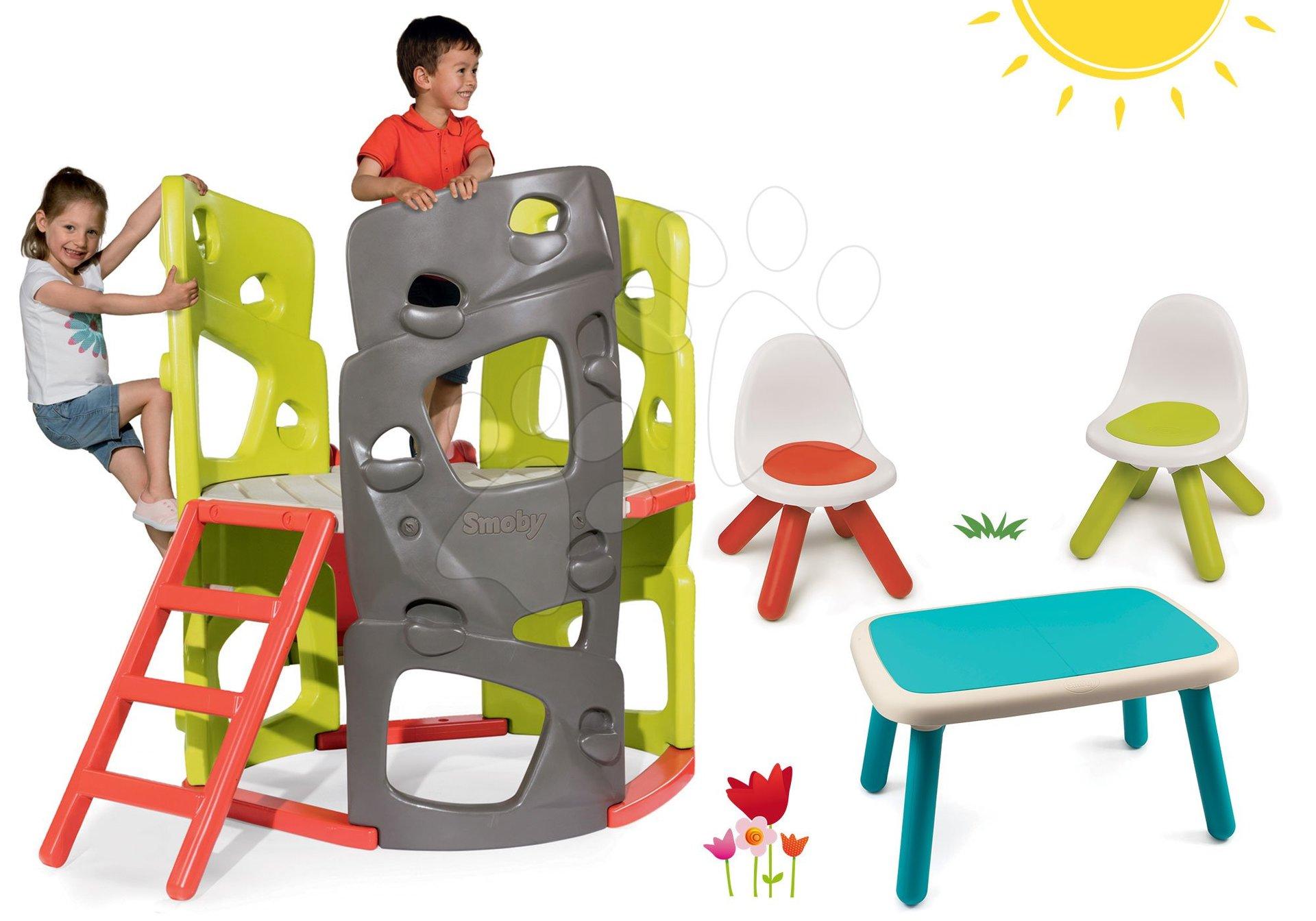 Set preliezačka Multiactivity Climbing Tower na šplhanie so šmykľavkou Smoby a stôl s dvoma stoličkami
