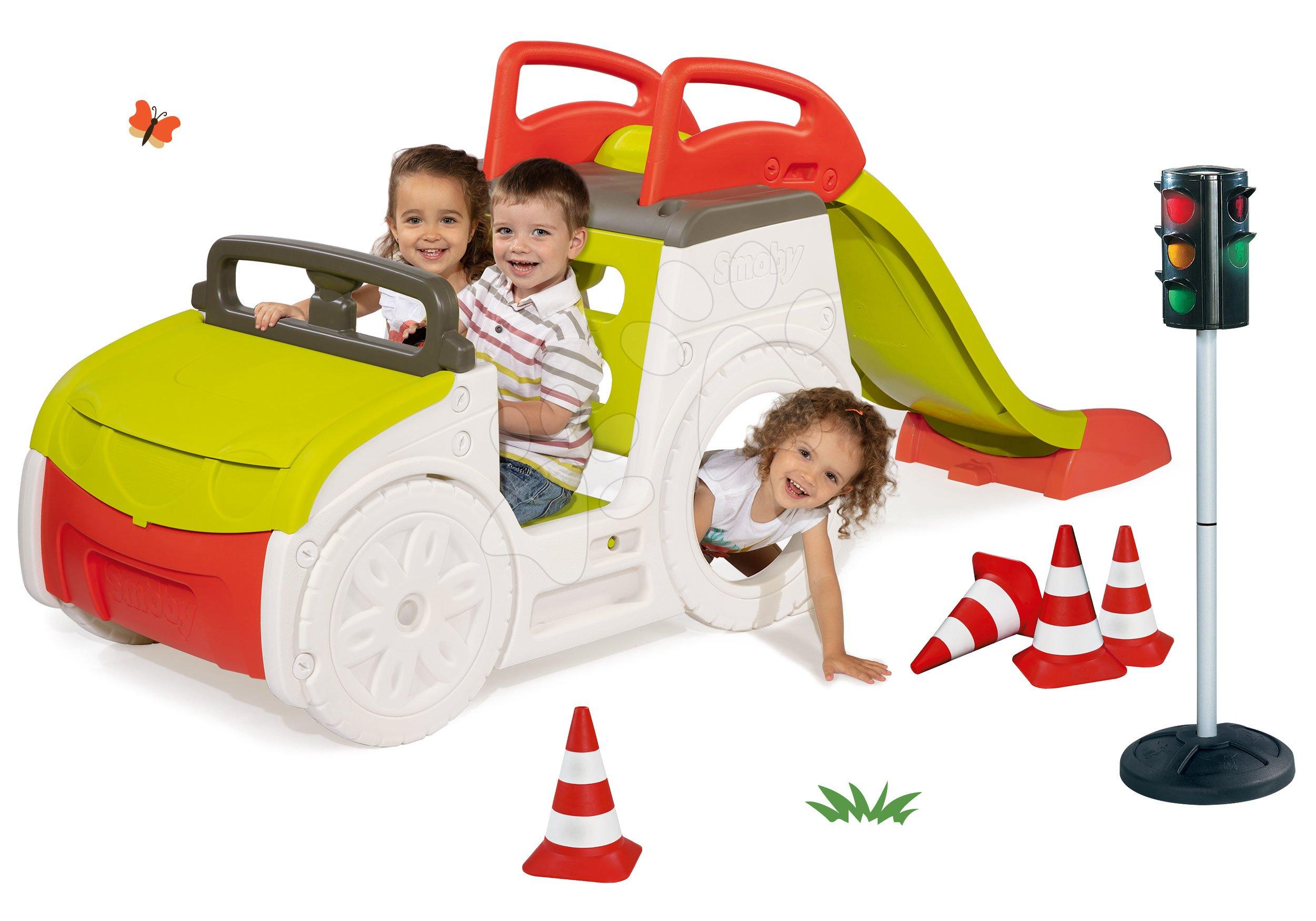 Set prolézačka se skluzavkou Adventure Car Smoby dlouhou 150 cm, semafor, dopravní značky, silniční kužely od 24 měsíců