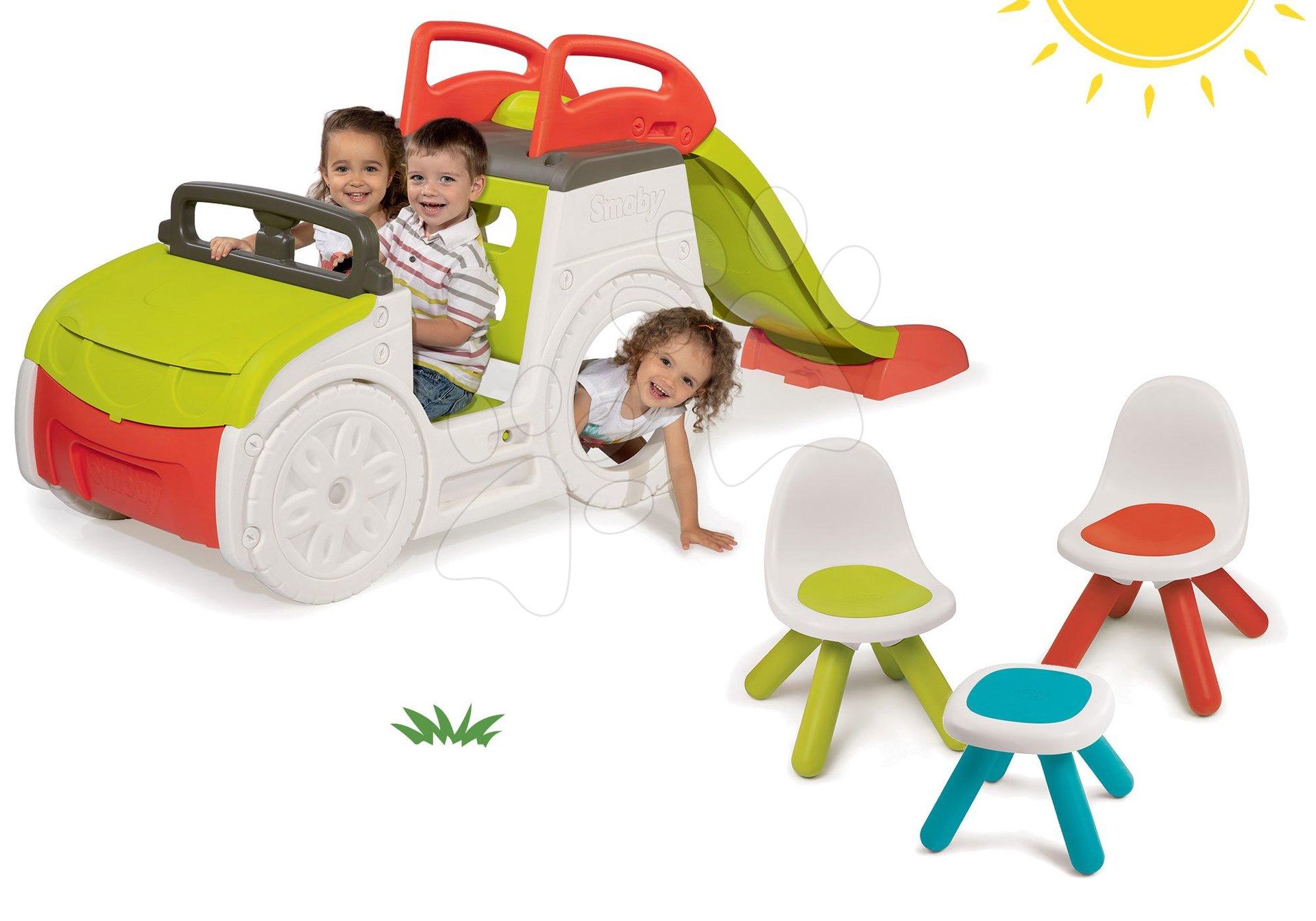 Set preliezačka Adventure Car Smoby so šmykľavkou dlhou 150 cm a stôl Piknik s dvoma stoličkami KidChair Red od 24 mes
