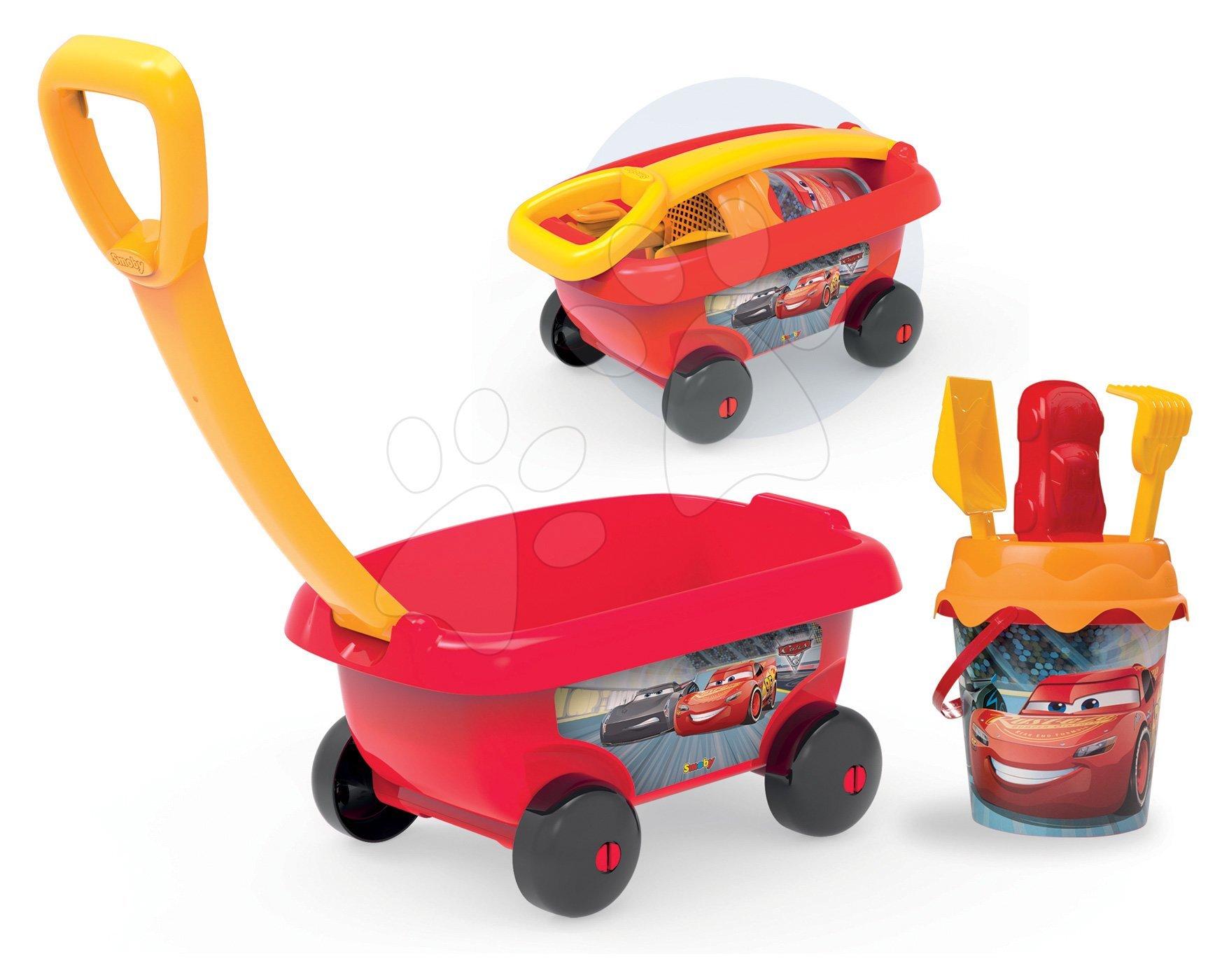 Maşinuţă de tras Cars Smoby cu set găleată pentru nisipar (înălţimea găleţii 18 cm) roşie de la 18 luni