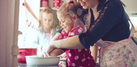 Karácsonyi sütés a gyerekekkel szórakozás az egész család számára