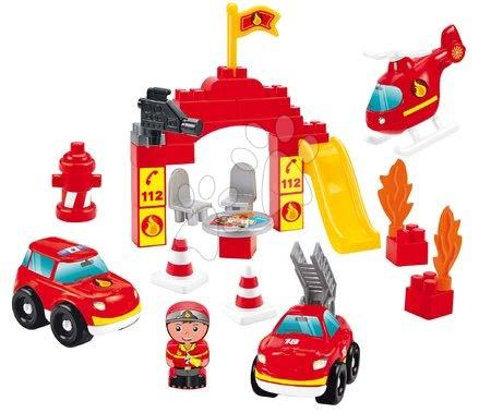 Építőjátékok - Épitőjáték tárolódobozban Tűzoltók Firemen Barrel Écoiffier 3járgánnyal és figurával 45 darabos 18 hó-tól