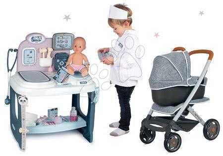 Set zdravotnícky pult pre lekára Baby Care Center Smoby s kočíkom trojkombináciou hlboký a športový DeLuxe Maxi Cosi Grey
