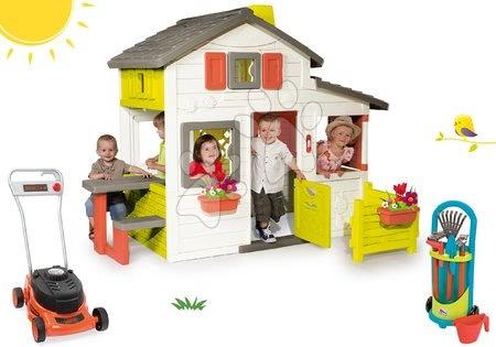 Set domeček Přátel Smoby s předzahrádkou a sekačka na trávu Black&Decker a vozík