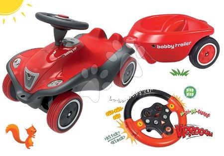 Set odrážadlo auto Next Bobby Car BIG červené a interaktívny zvukový volant a prívesný vozík od 12 mes