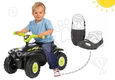 Odrážadlá - Set odrážadlo štvorkolka Quad BIG s klaksónom čierne a ochranné návleky na topánky