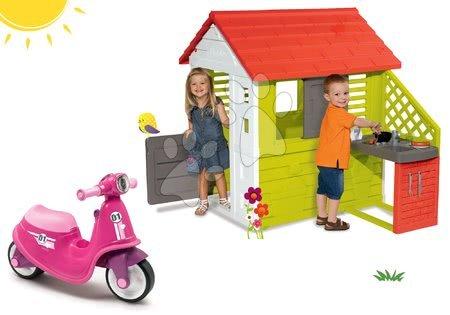 Odrážadlá sety - Set odrážadlo Scooter Pink Smoby s gumenými kolesami a domček Pretty Nature s letnou kuchynkou a okenicou od 18 mes