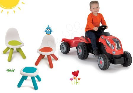 Szett asztalka KidStool Smoby Kidchair kisszékek és traktor RX Bull pótkocsival 24 hó-tól