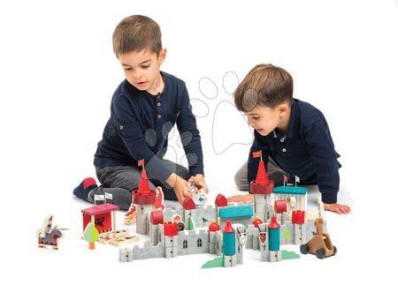 Dřevěné stavebnice - Dřevěný královský hrad Royal Castle Tender Leaf Toys 100dílná sada s rytíři, koňmi a drakem_1