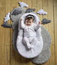 Hračky pre bábätká - Hniezdo na spanie Cocoonababy® pre bábätká Dreamy Cloud Red Castle 0-4 mesiacov s doplnkami s obláčikmi_4