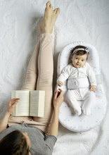 Hračky pre bábätká - Hniezdo na spanie Cocoonababy® pre bábätká Dreamy Cloud Red Castle 0-4 mesiacov s doplnkami s obláčikmi_11