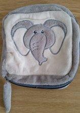 Plyšová taštička Disney Ilanit sloník šedá
