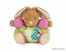 Plišasti zajček Colors-Chubby Rabbit Squirrel Kaloo z ropotuljico 25 cm v darilni embalaži za najmlajše