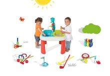 Set stôl pre deti Voda&Piesok 2v1 Smoby s mlynom, otvorom na slnečník a športový set 7 hier Jardin&Saisons od 18 mesiacov