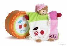KALOO 963280 plyšový medvedík bábka na maznanie COLORS-DOUDOU BEAR PUPPET GIRL CHERRY 20 cm z jemného plyšu v darčekovej krab