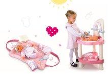 Set prebaľovací stôl pre bábiku Baby Nurse Srdiečko Smoby a prebaľovacia podložka so setom na prebaľovanie