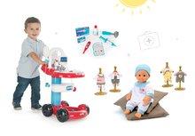 Set lekársky vozík Smoby s infúziou a doplnkami, bábika Baby Nurse a dvoje šaty pre bábiku