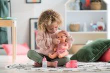 Bábiky od 24 mesiacov - Bábika Emma pije ciká a kúpe sa Mon Grand Poupon Corolle 36 cm s modrými klipkajúcimi očami a 3 doplnky od 24 mes_1