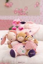 Handrové bábiky - Plyšový zajačik bábika Petite Rose-Musical Doll Kaloo v sukničke spievajúci 30 cm v darčekovom balení pre najmenších_3