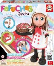 Păpuşa stilată Fofuchas bucătăreasa Sandra Educa Îmbrac-o singură de la 6 ani