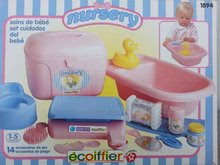 Kiskád 42 cm játékbabának Nursery Écoiffier pelenkázó szettel rózsaszín 18 hó-tól