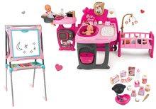 Set domček pre bábiku Baby Nurse Doll's Play Center Smoby a školská tabuľa výškovo nastaviteľná magnetická