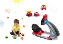 Set detský trenažér V8 Driver Smoby elektronický so zvukom a svetlom a set 3 požiarnych autíčok Vroom Planet