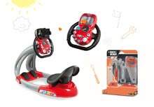 Set trenažér pro děti V8 Driver Smoby elektronický se zvukem a světlem a set pracovního nářadí Black & Decker